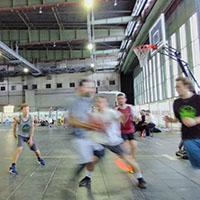 Basketballturnier im Hangar 1 (Berlin-Tempelhof) mit den Neuköllner Bären
